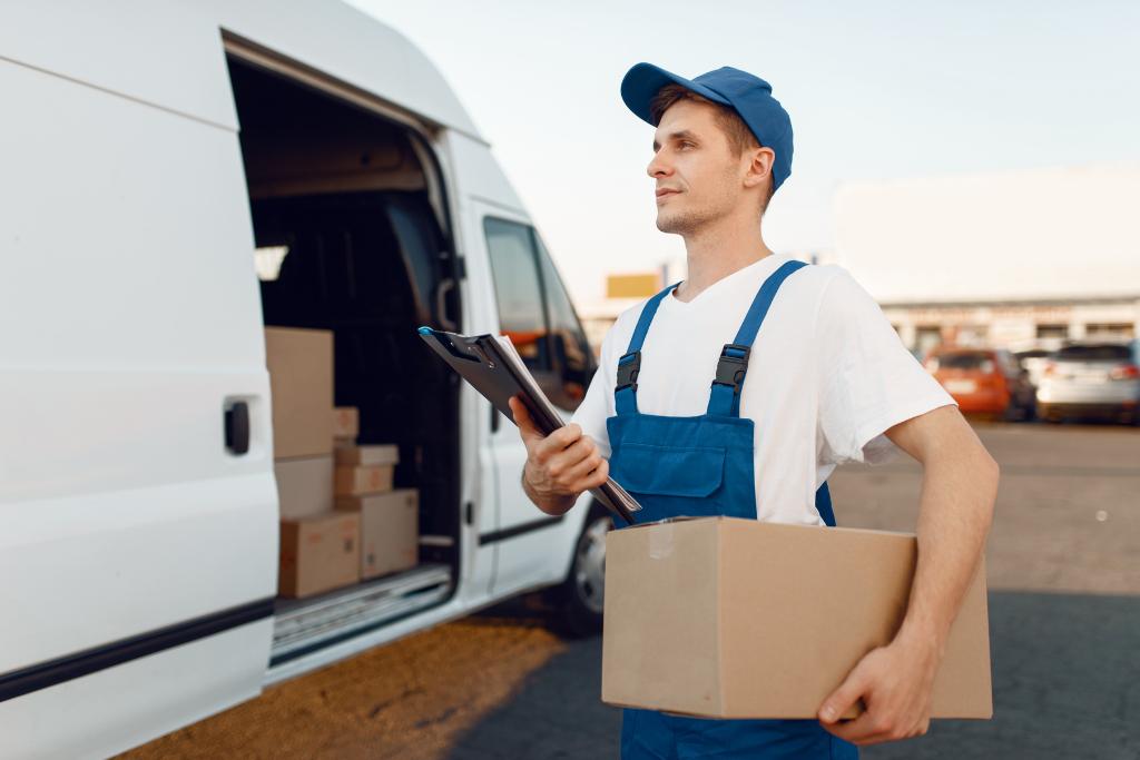 Wymagania firm kurierskich InPost i DHL - sprawdź materiały opakowaniowe od producenta opakowań kartonowych ATK-opakowania.